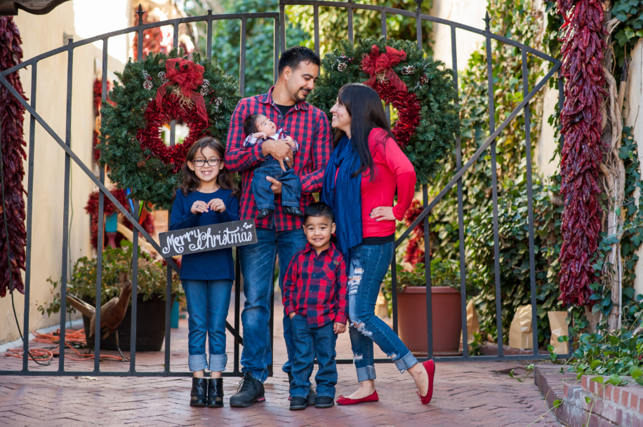 Family session in Old town Albuquerque, New Mexico